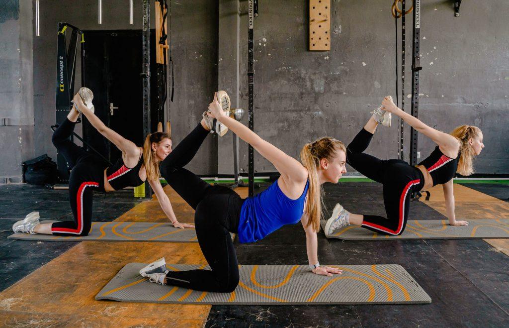 Colchoneta para gimnasia pilates o musculaci/ón gimnasia Fitem con asas de transporte dos tama/ños a elegir artes marciales mixtas para gimnasio yoga gruesa 240 x 120 x 4 cm o 180 x 60 x 4 cm de gama alta fitness deporte